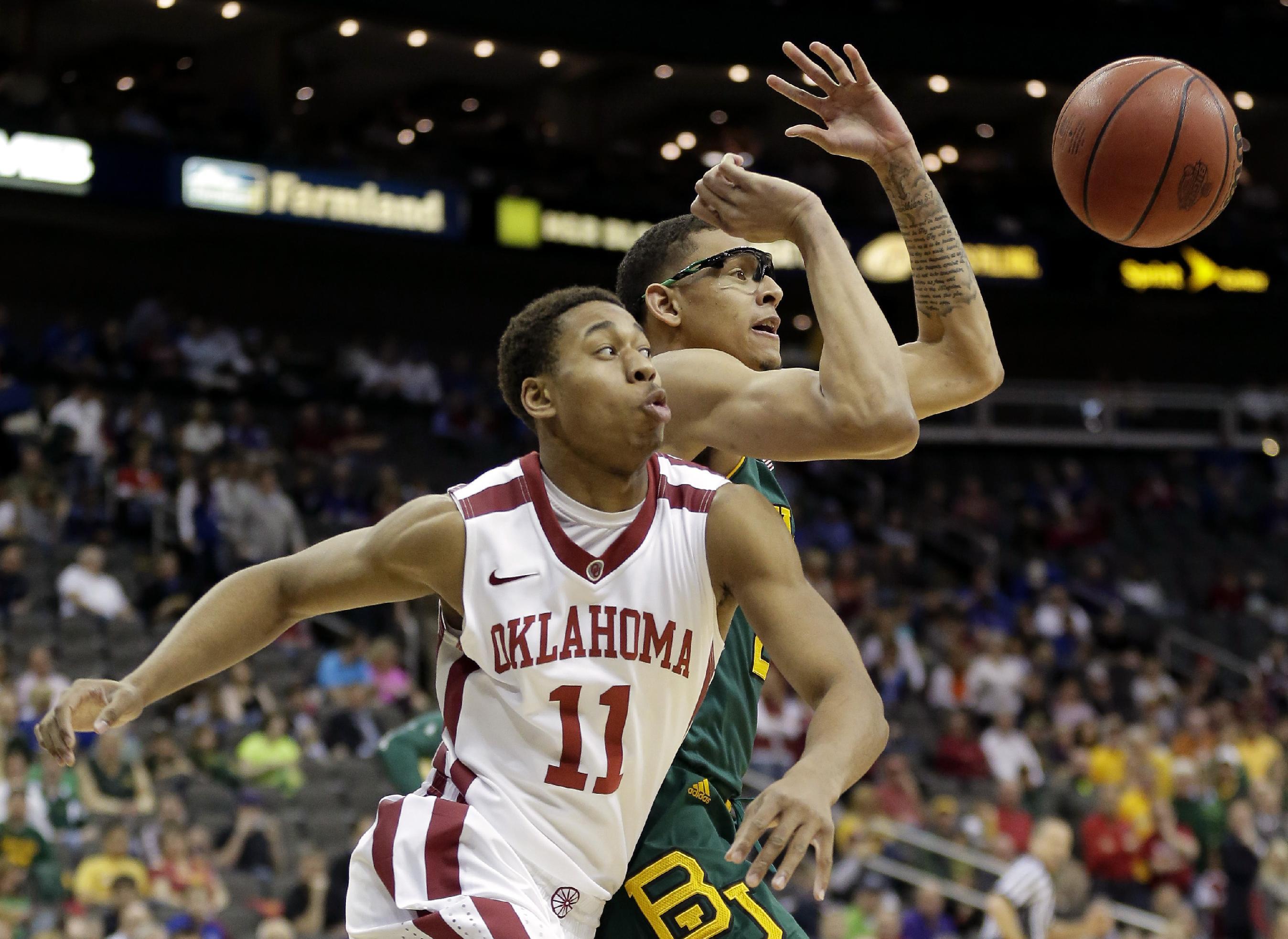 Baylor holds on to down No. 17 Oklahoma, 78-73