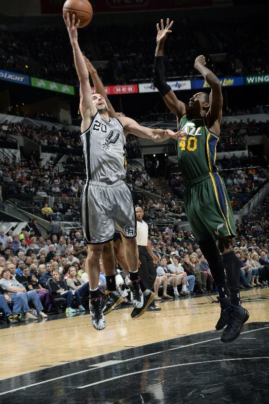 Spurs beat Jazz 122-104 for 10th straight win