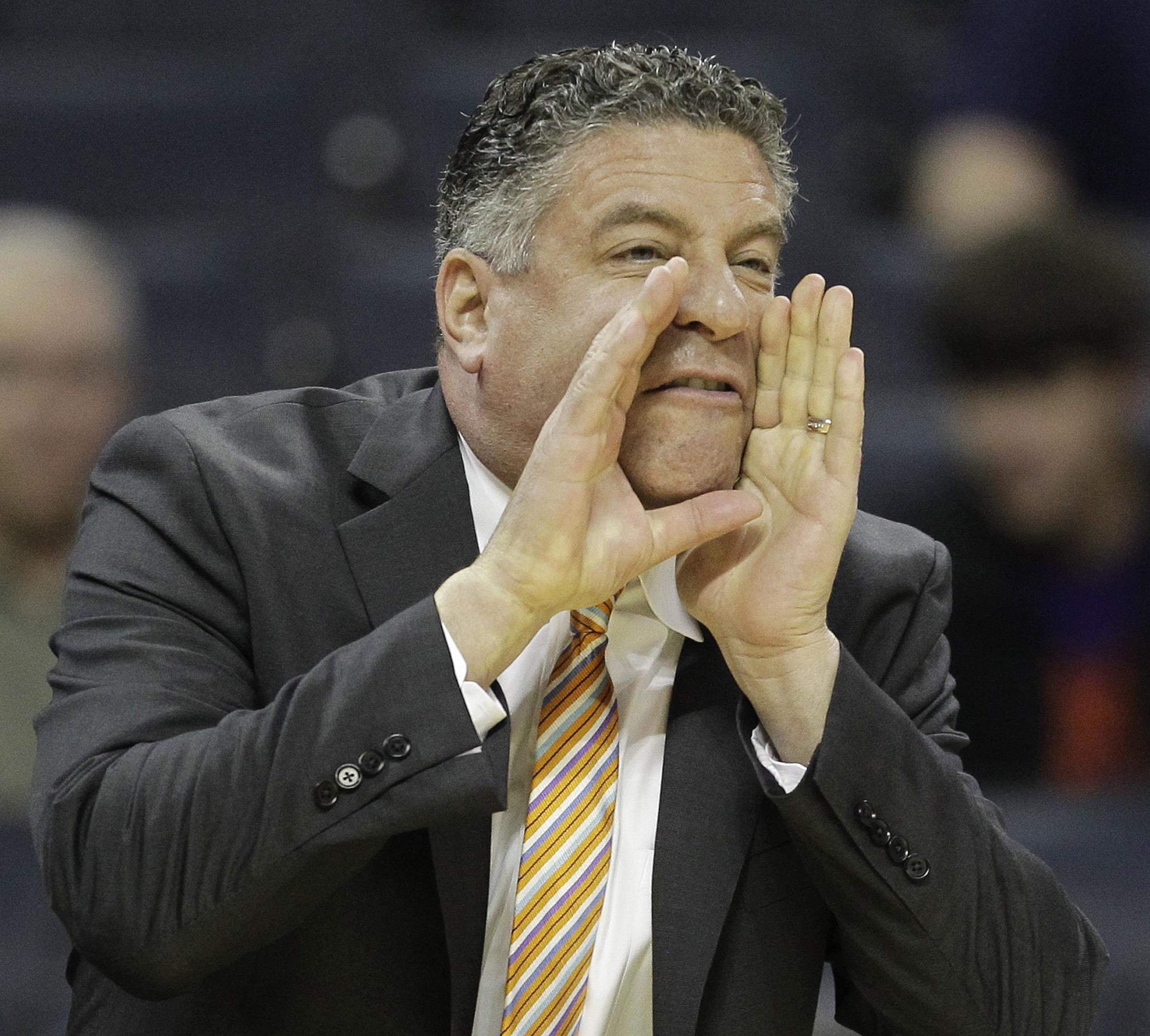 Auburn hires Bruce Pearl as basketball coach