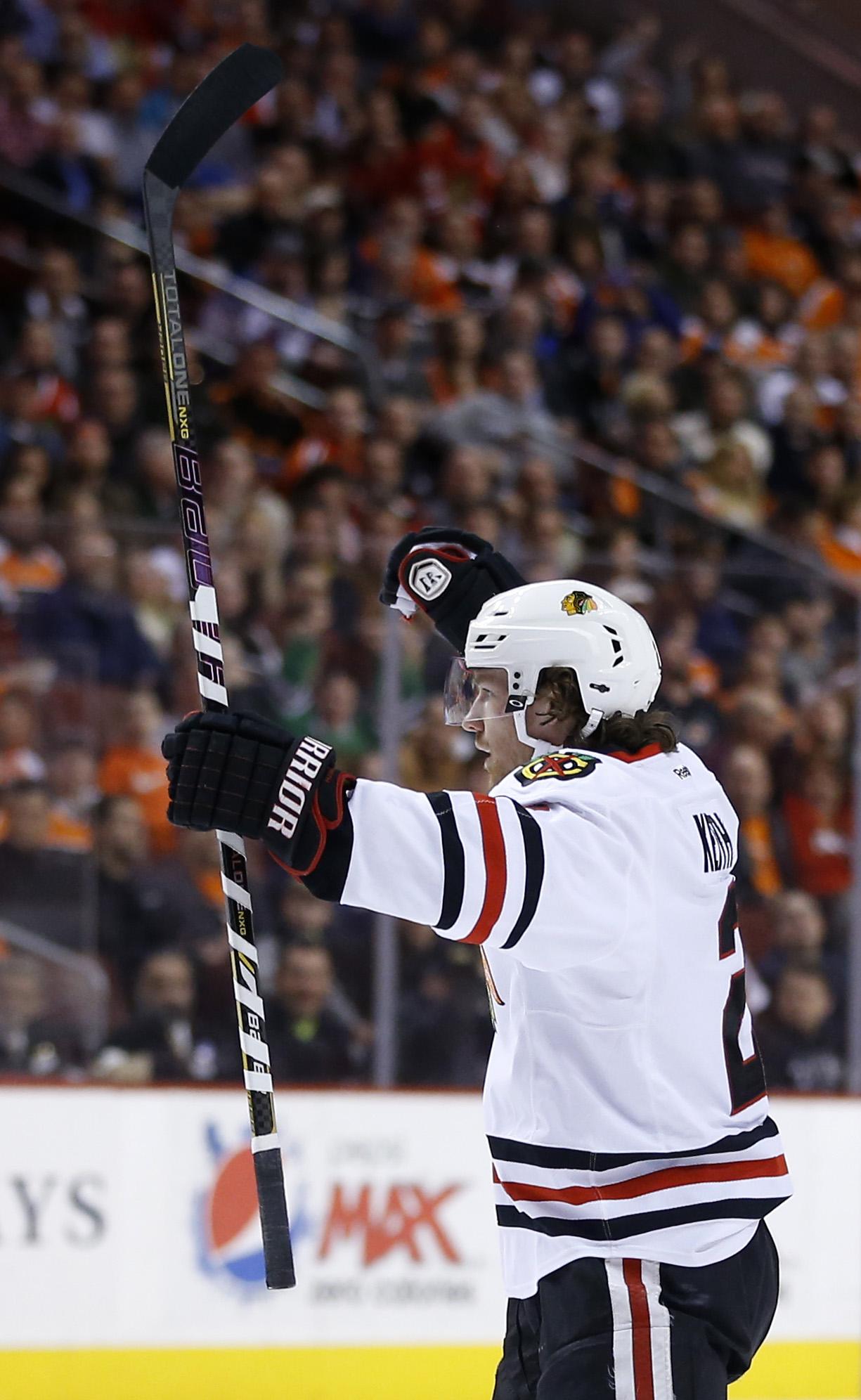 Flyers edge Blackhawks 3-2 in OT