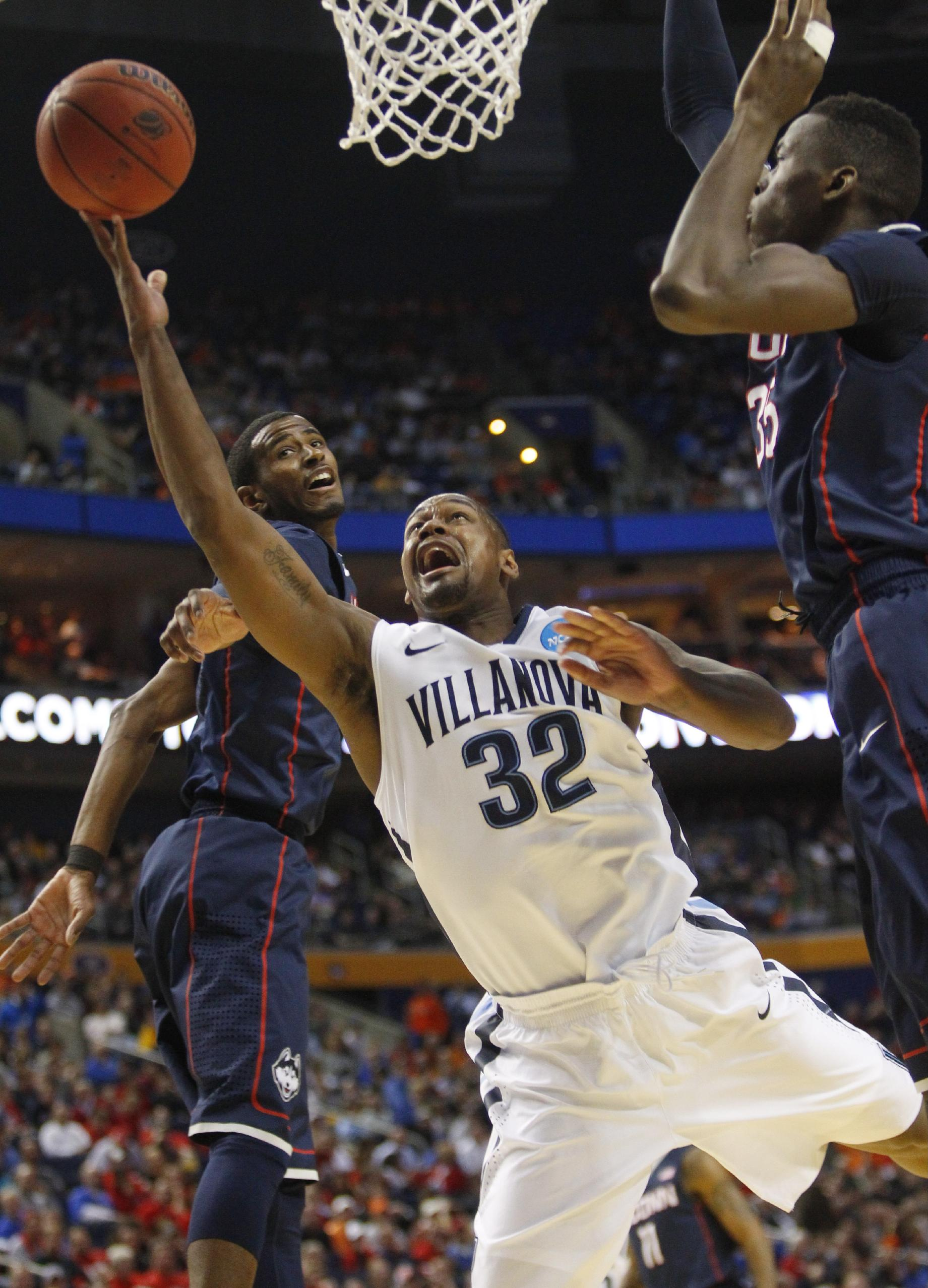 Napier leads UConn in 77-65 win over Villanova