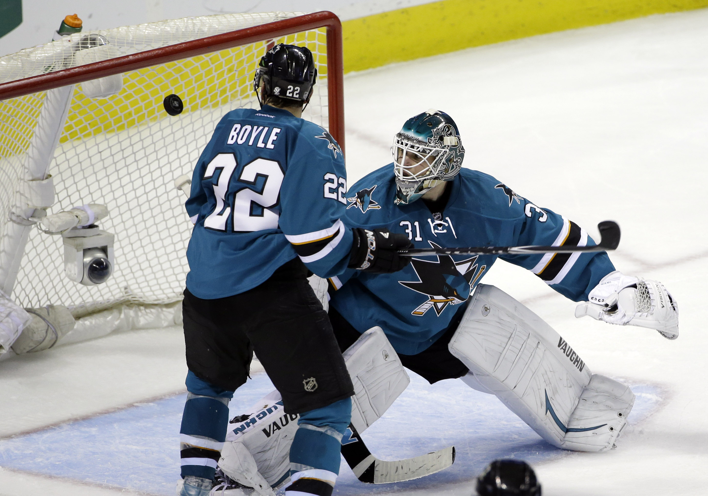 Caps end San Jose skid with 3-2 SO win vs Sharks