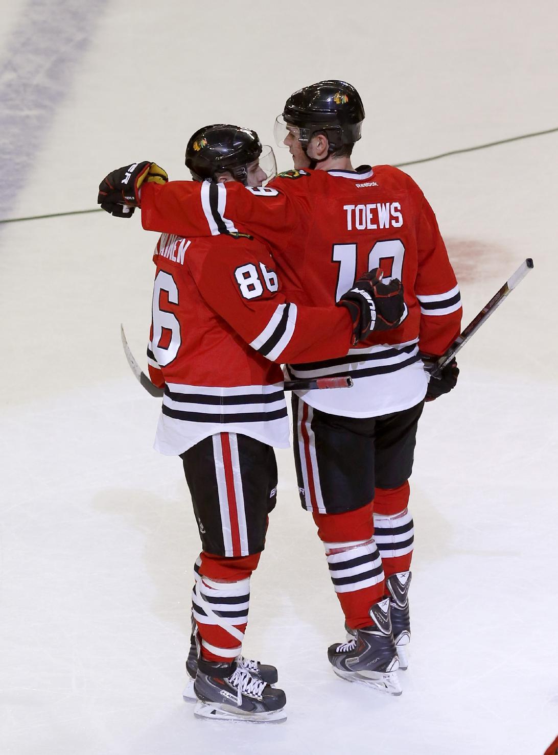 Blackhawks top Stars, move closer to playoff berth