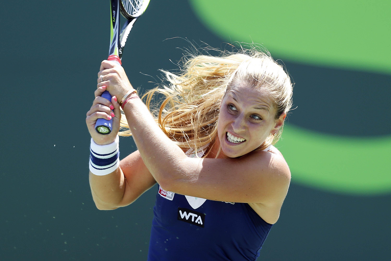 Djokovic beats Murray in Sony Open quarterfinals