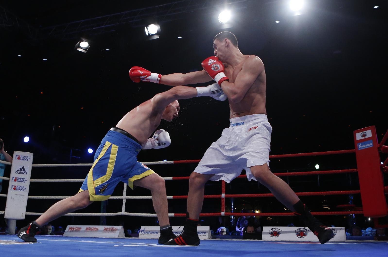 Russian, Ukrainian boxing teams put aside tensions