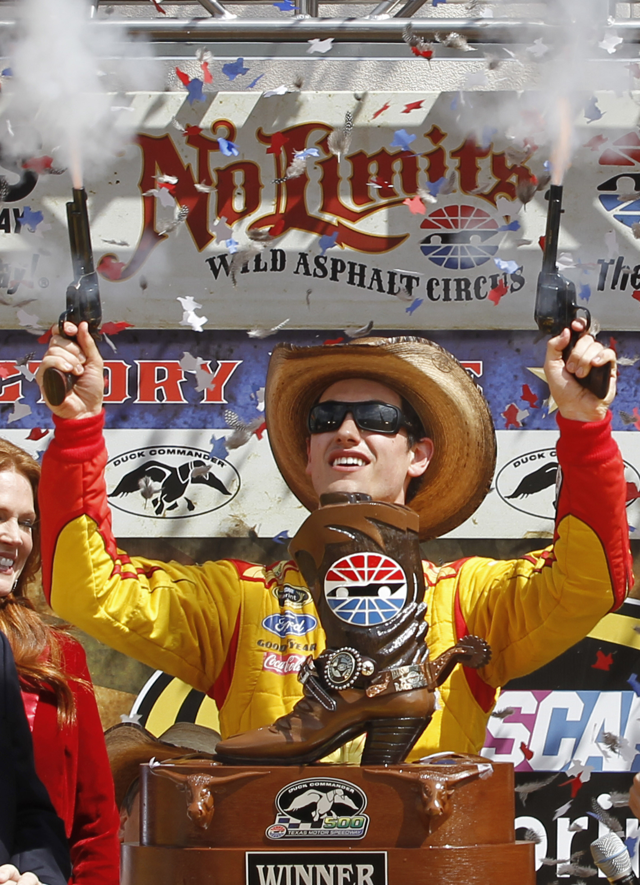 Logano holds on for Sprint Cup win in Texas