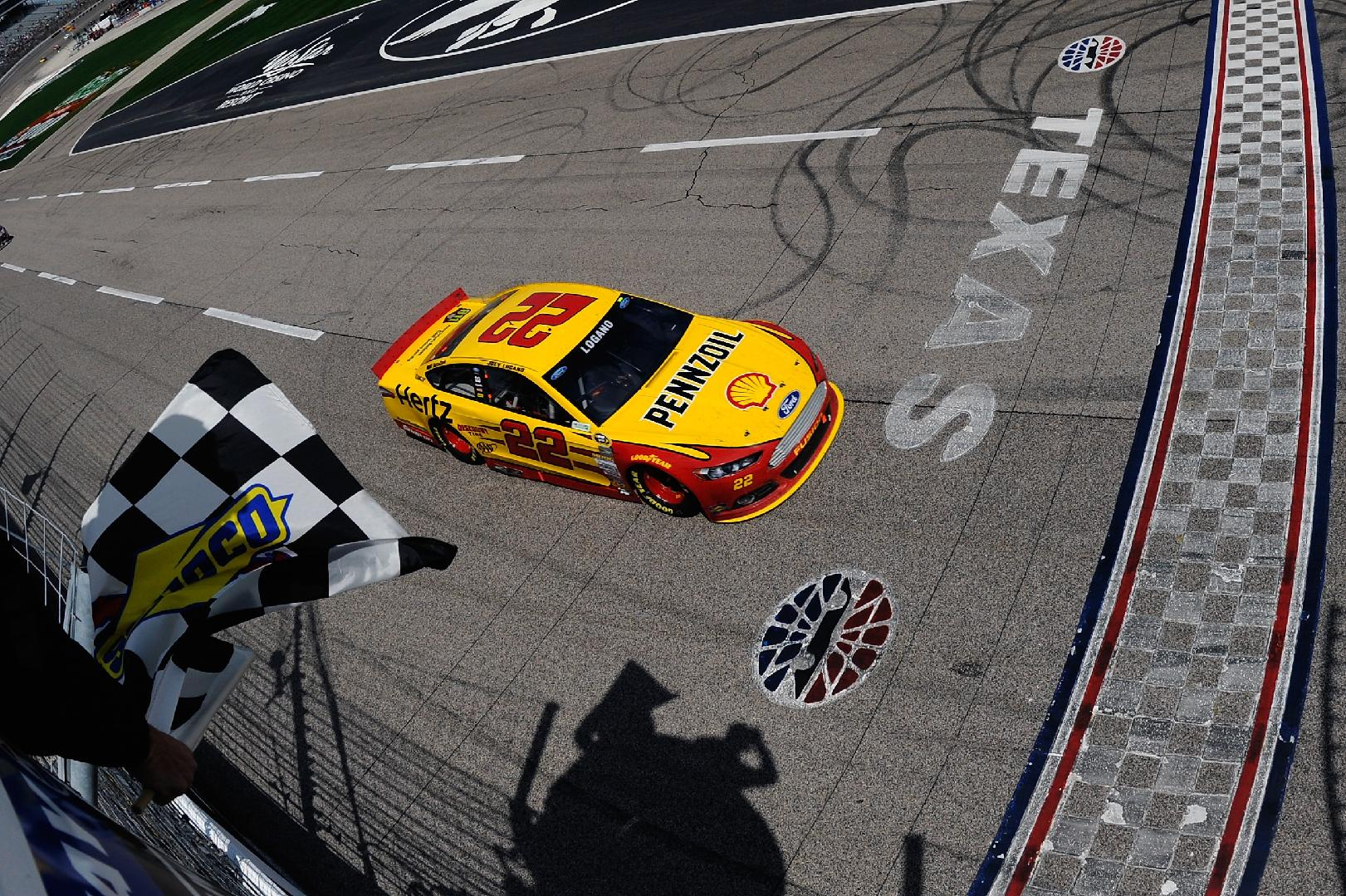 Team Penske can look toward Chase after Logano win
