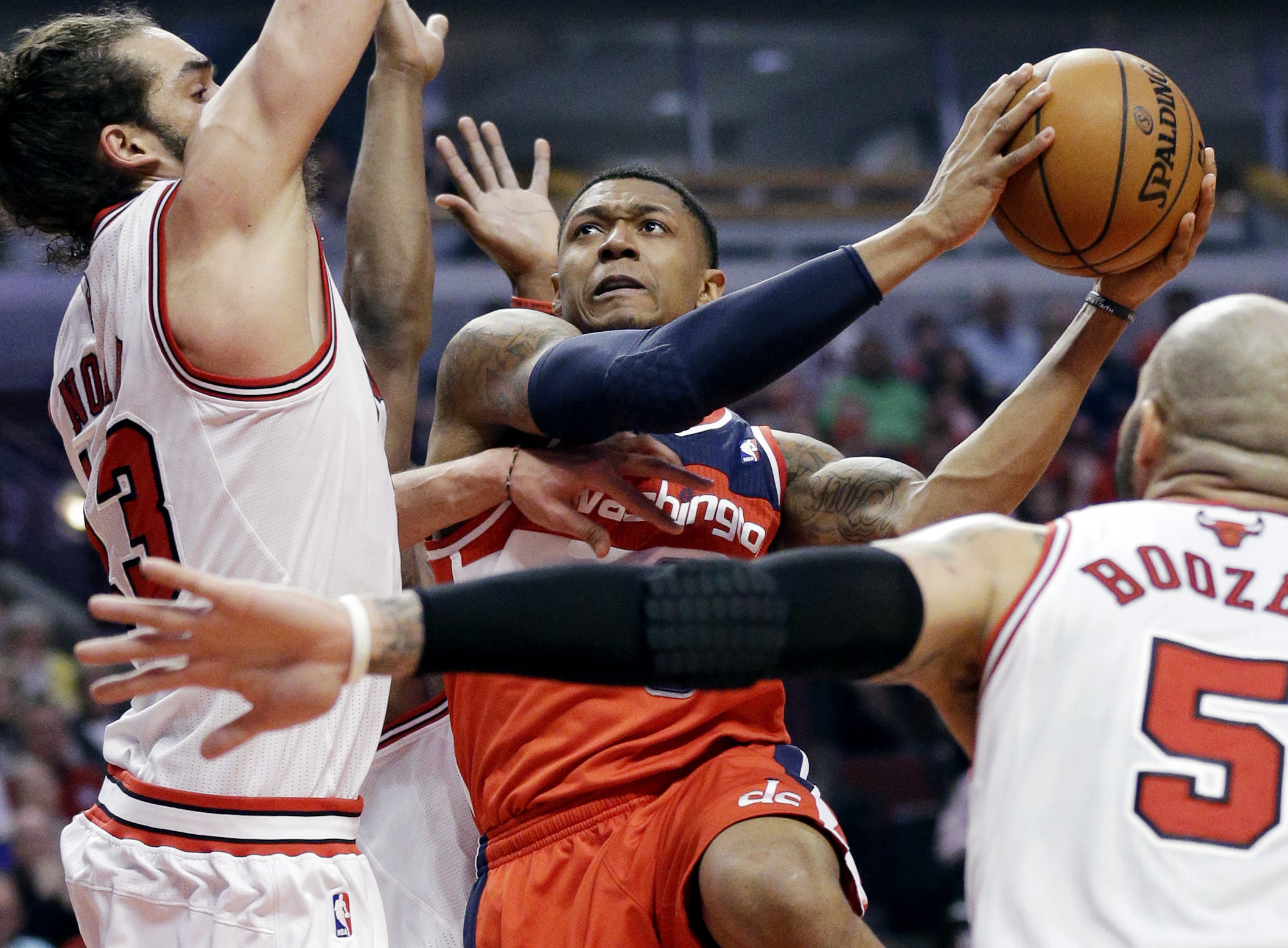 Column: Even Thibodeau can't defend this clunker