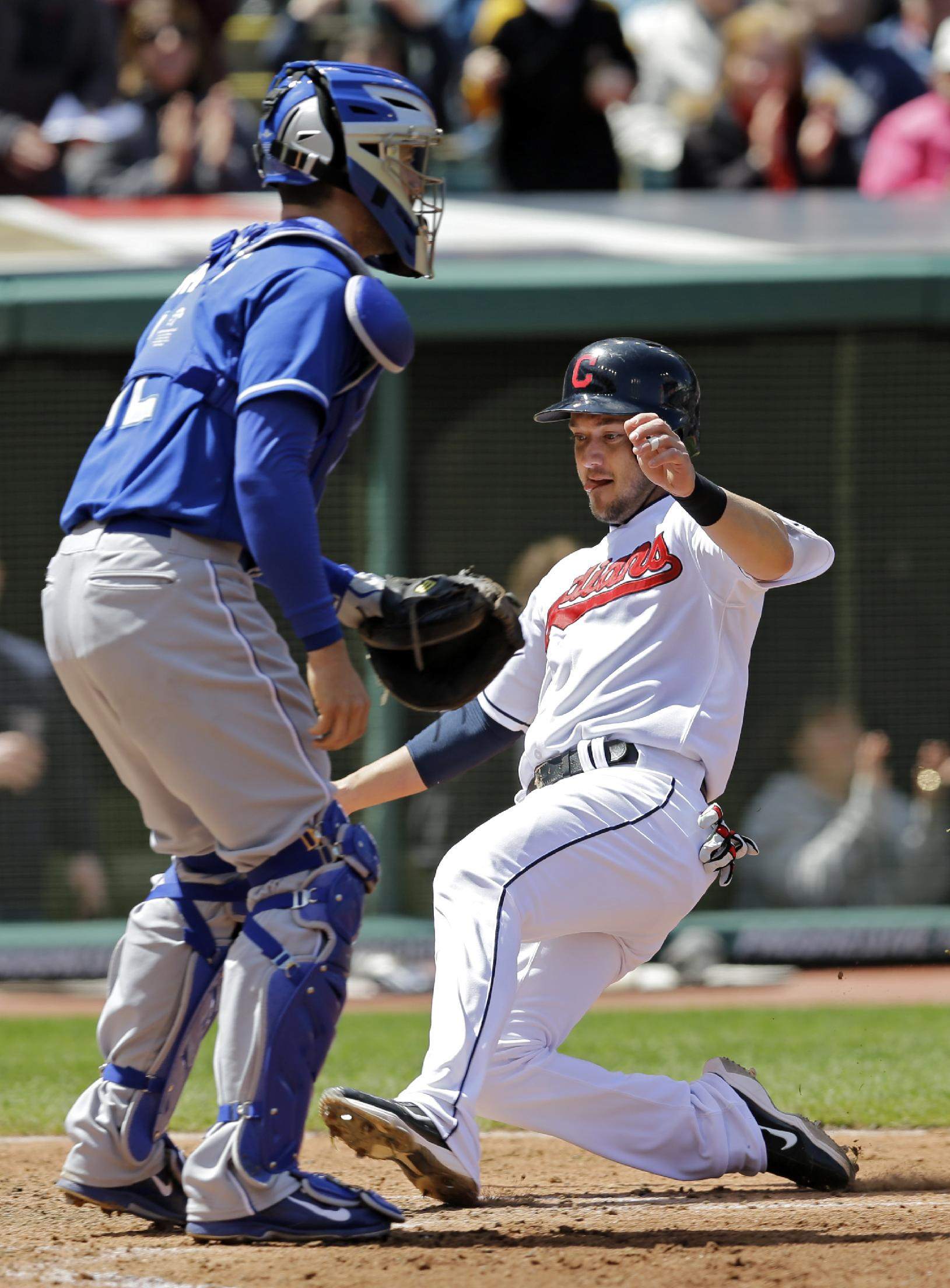 Kluber, Indians roll past Royals 5-1