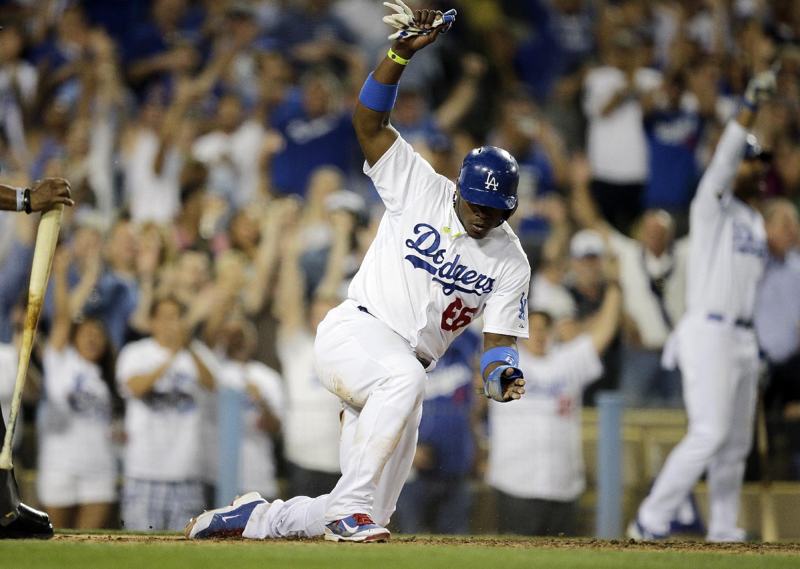 Beckett's 1st win since 2012, Dodgers beat Marlins