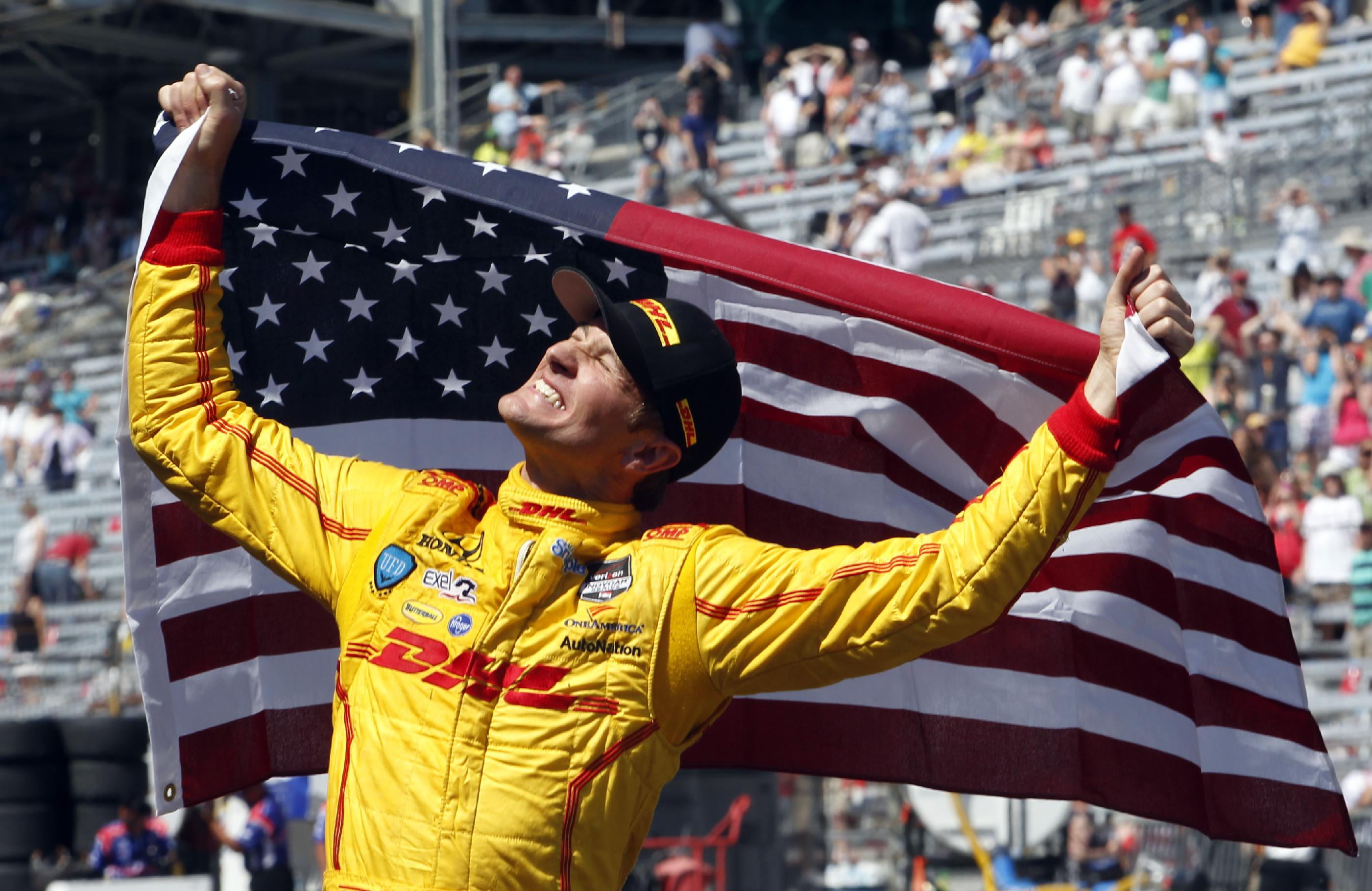Indy 500 thriller as Hunter-Reay edges Castroneves