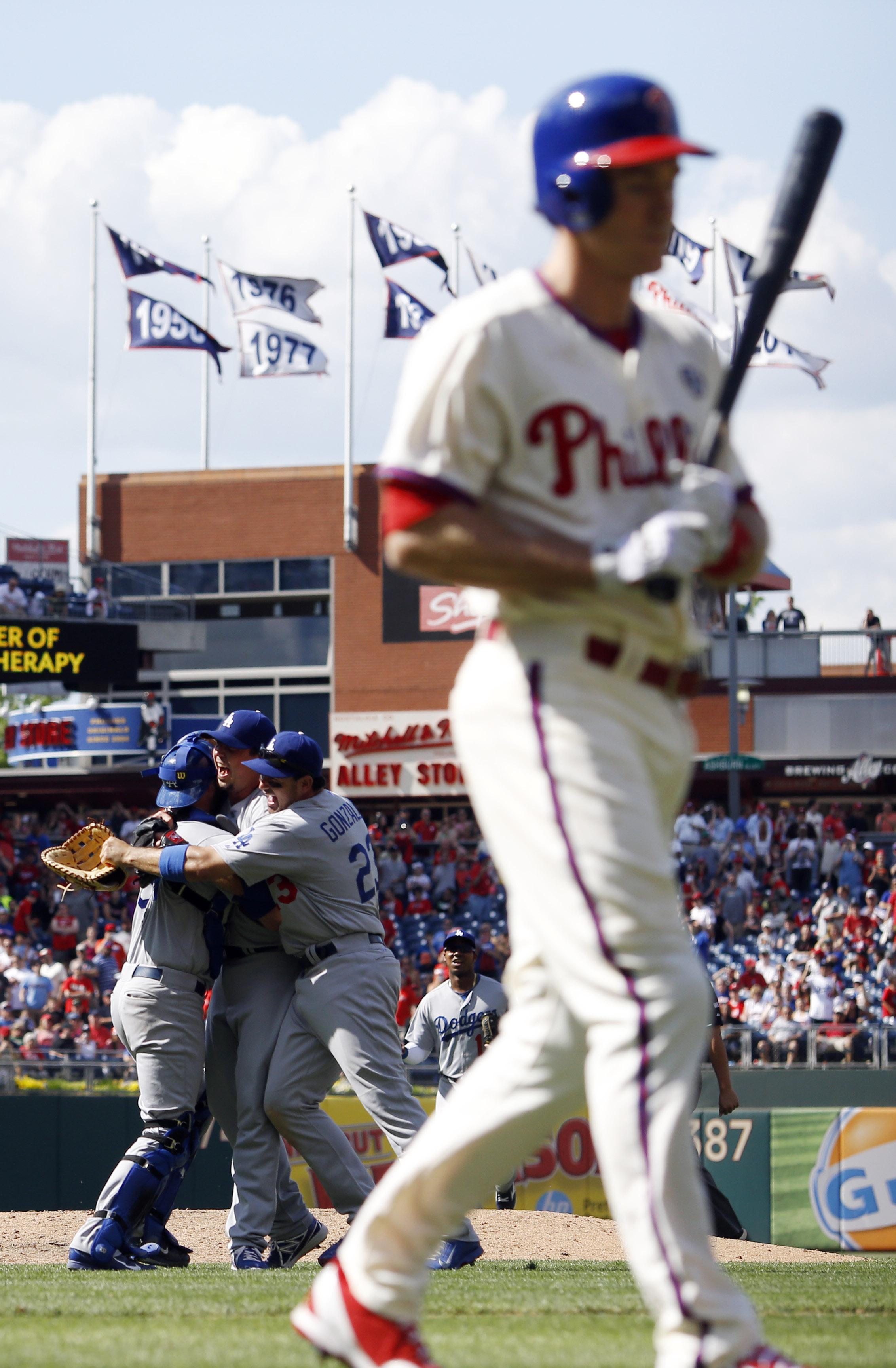 Beckett pitches no-hitter, Dodgers stop Phillies