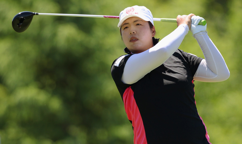 Shanshan Feng takes LPGA Tour lead