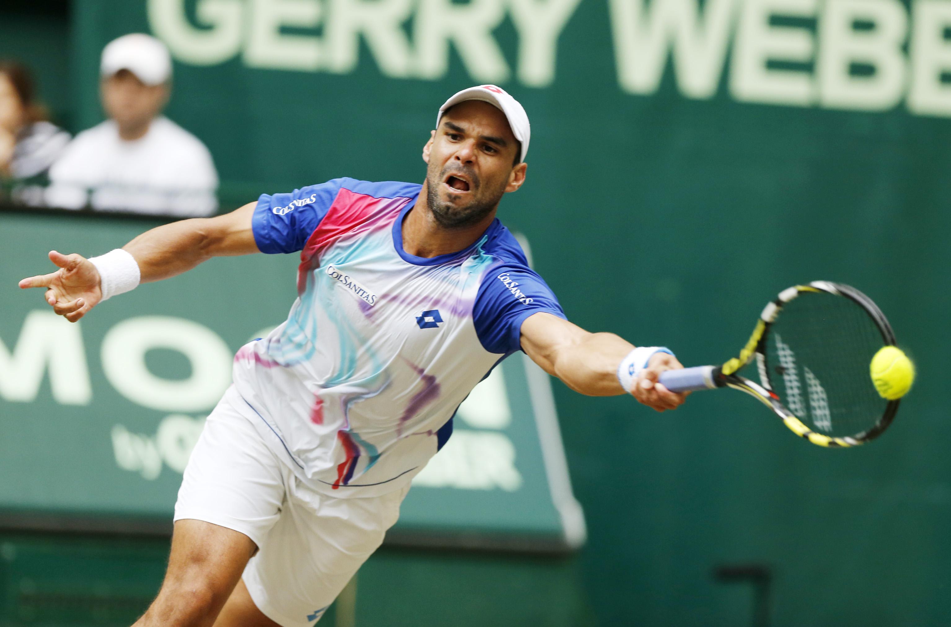 Federer beats Falla for 7th Gerry Weber Open title