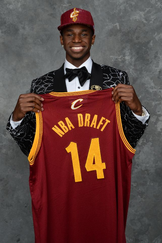 Wiggins joins Cavaliers with lofty goals