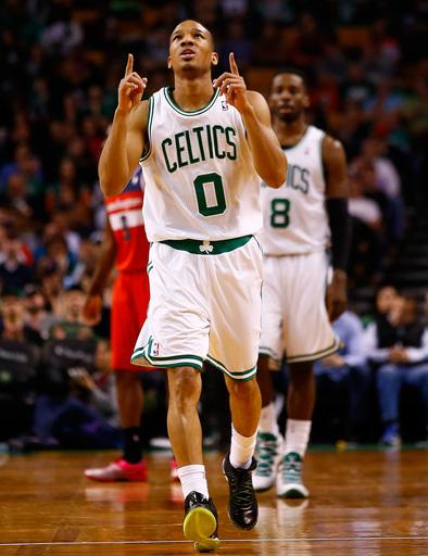 Celtics, Bradley agree on $32 million, 4-year deal