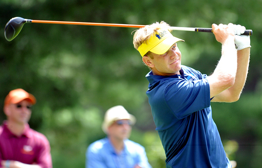 Hurley extends lead to 2 at Greenbrier Classic