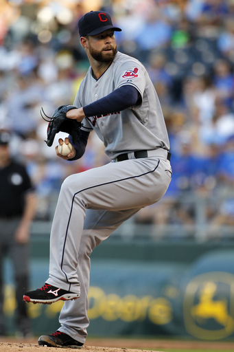 Aoki's 14th-inning hit lifts Royals over Indians