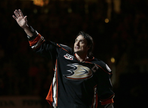 Anaheim Ducks to retire Selanne's jersey Jan. 11