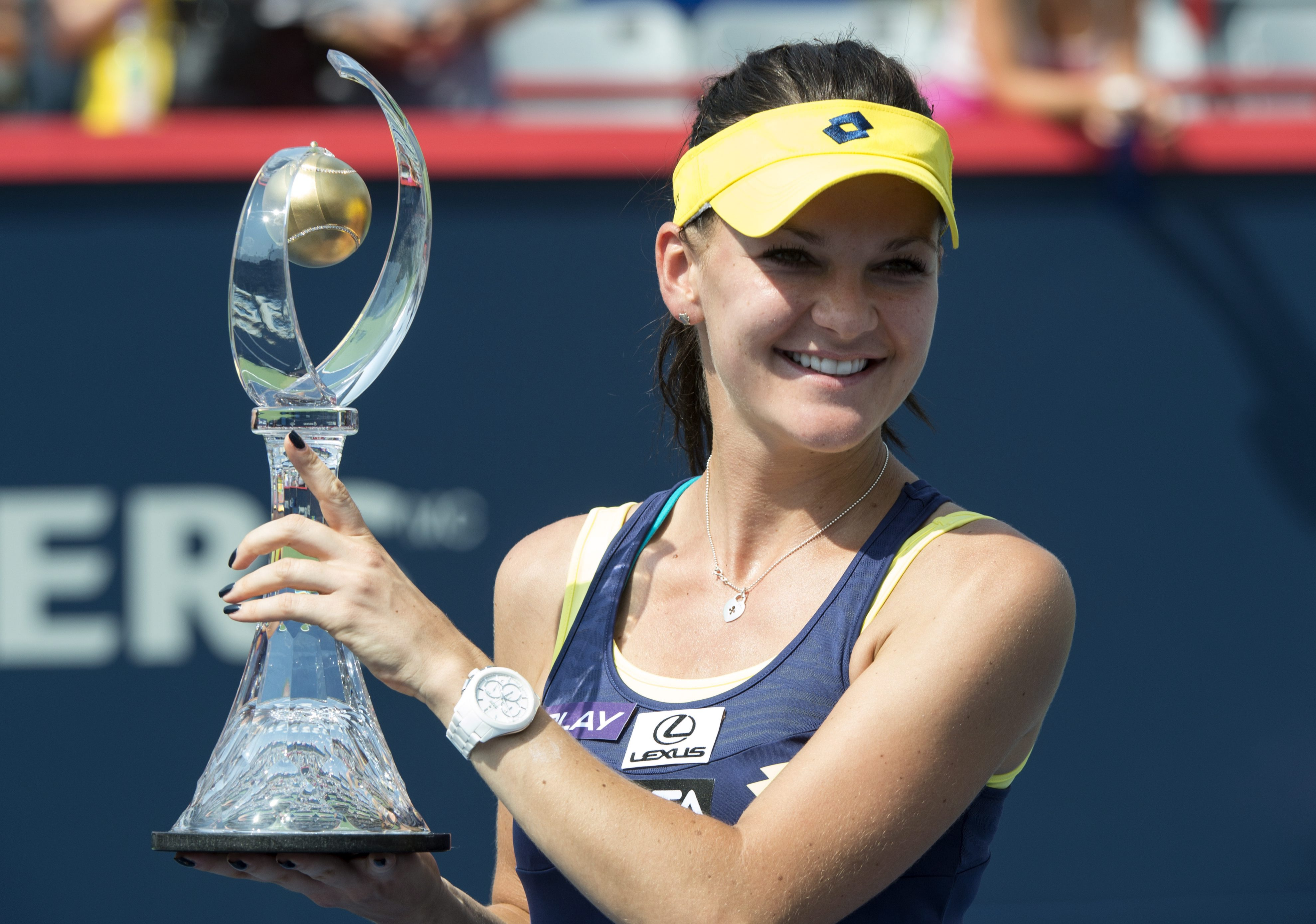 Radwanska beats Venus Williams to win Rogers Cup