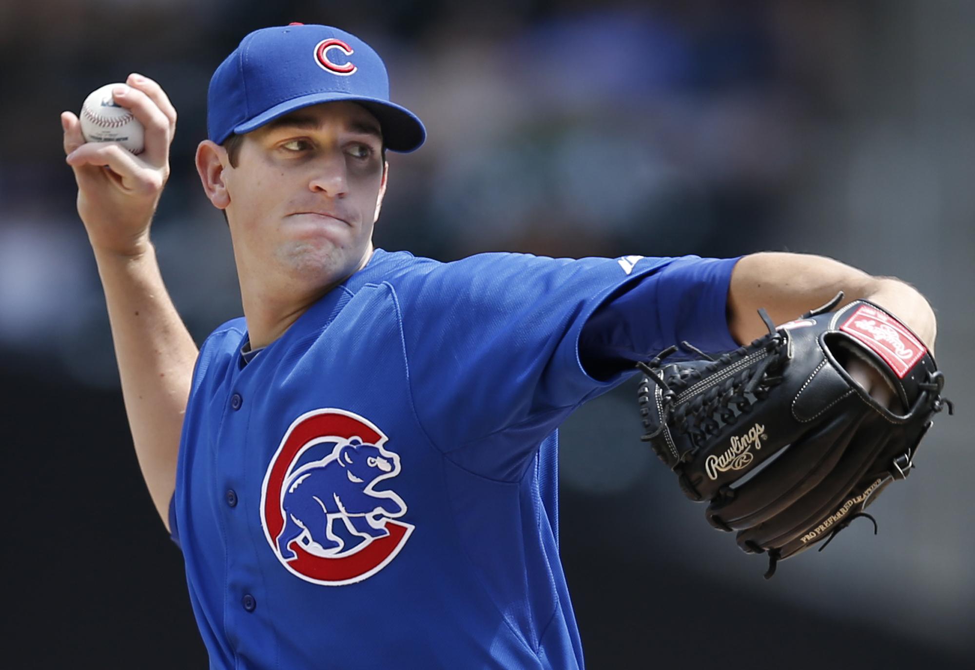 Hendricks, Baez help Cubs beat Mets 4-1