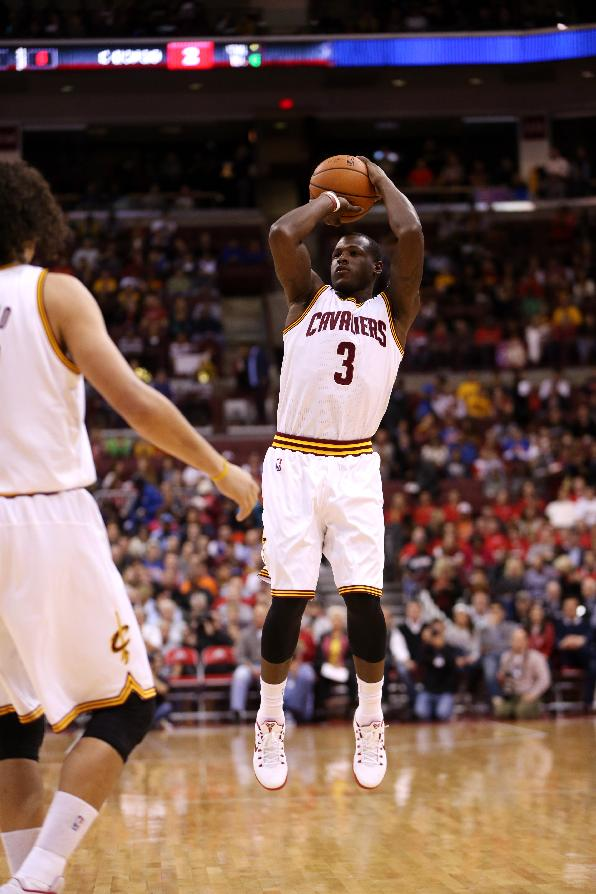Cavs exercise option on guard Dion Waiters