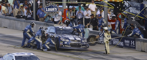 NASCAR: Johnson says Harvick was correct winner