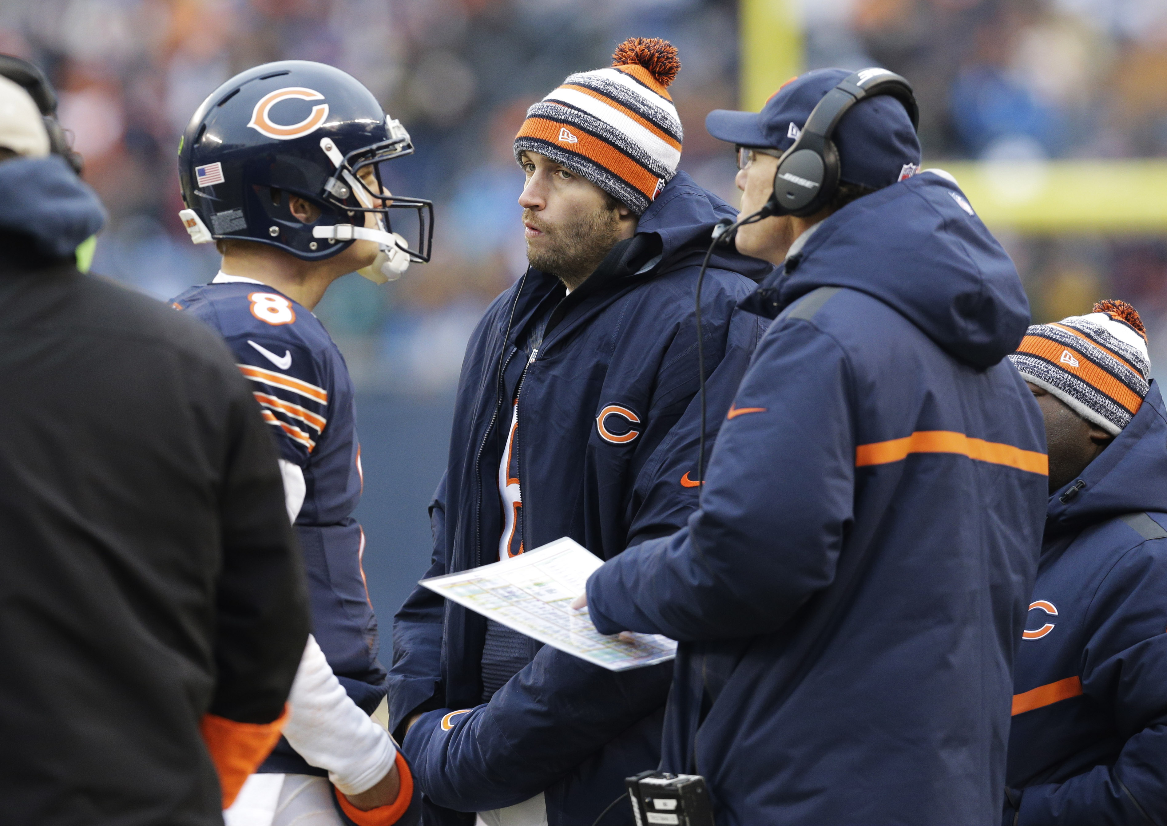 Bears say Clausen will miss finale because of concussion