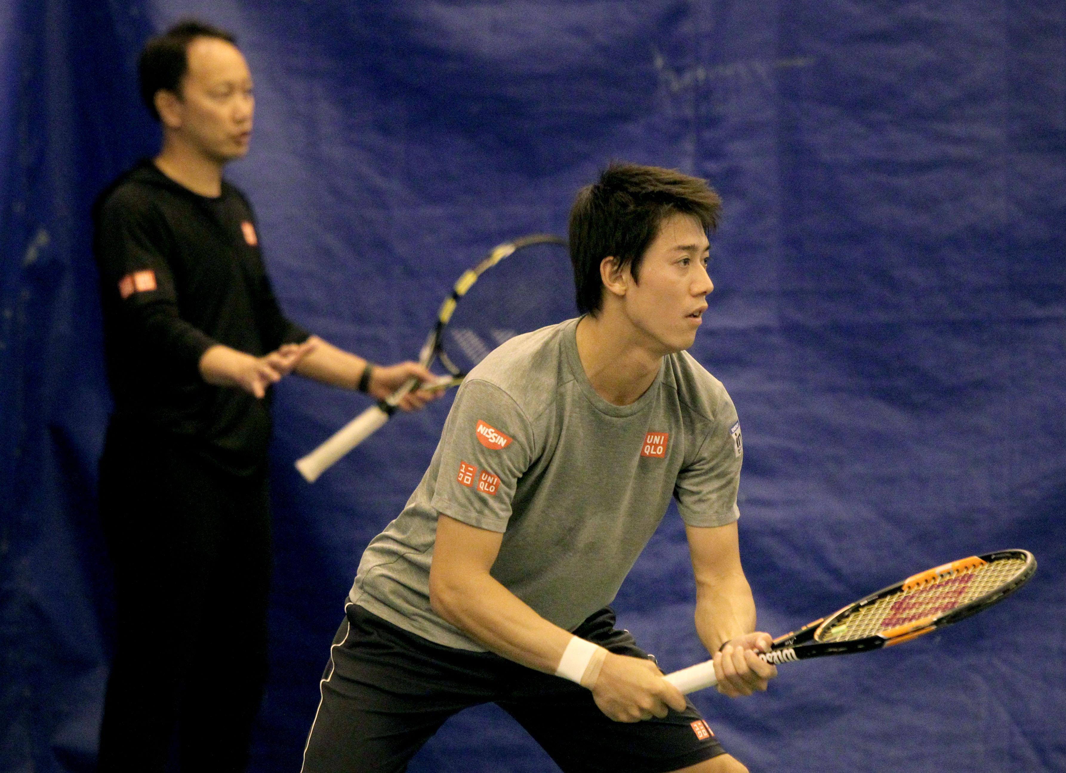 Nishikori survives 3-set match to move into quarterfinals