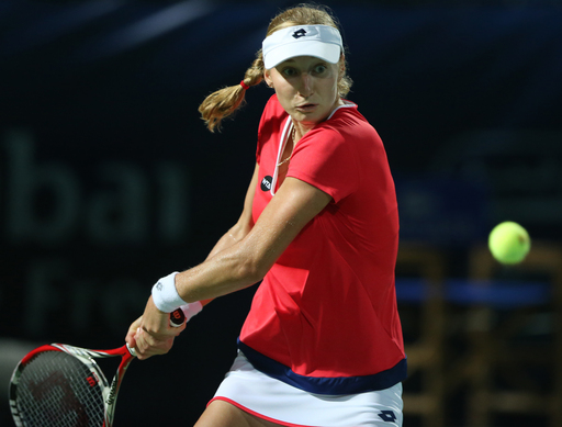Halep advances to semifinal against Wozniacki in Dubai