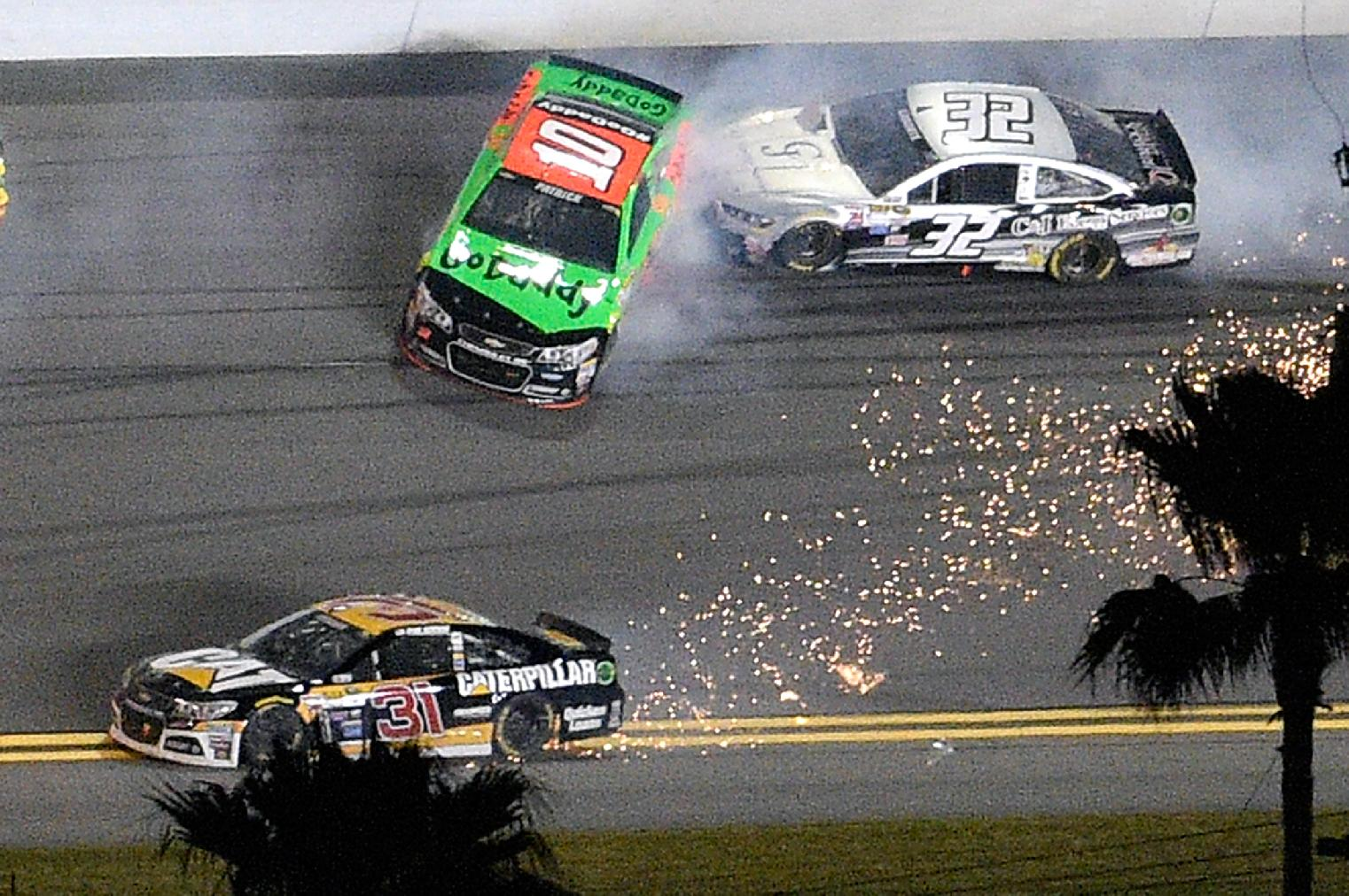 Fox, NBC ready to wave the green flag in NASCAR coverage