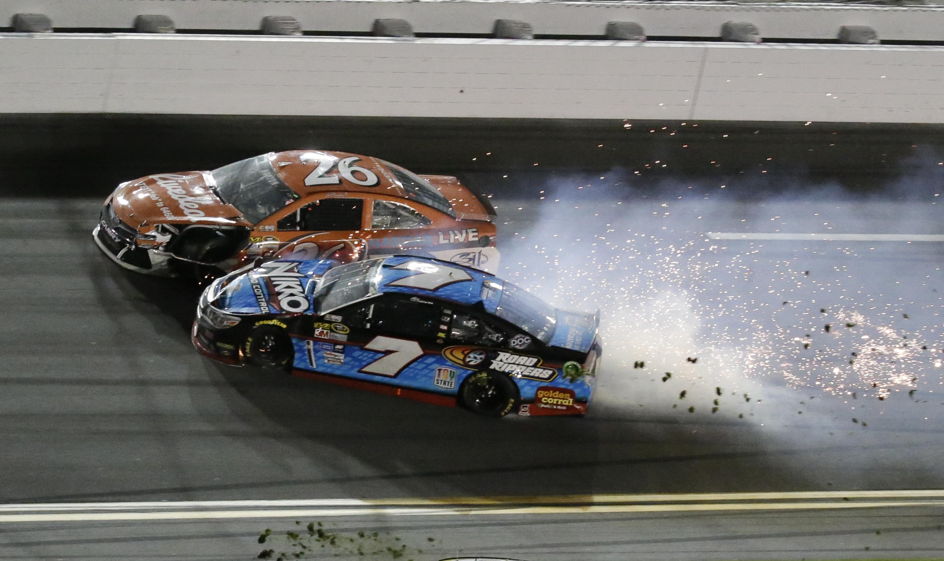 Earnhardt Jr. and Johnson win Daytona 500 qualifying races
