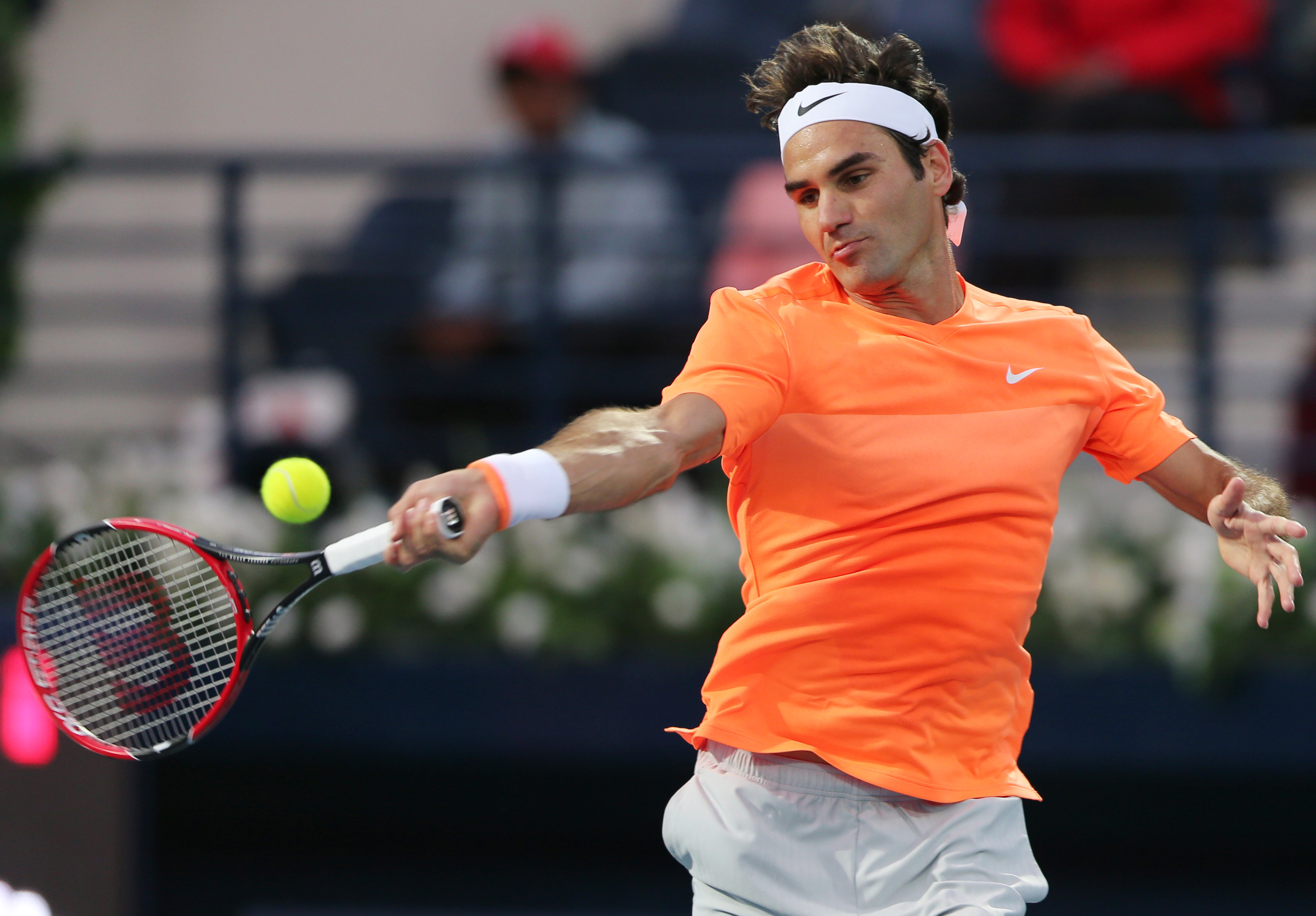 Defending champ Federer beats Coric to make Dubai final