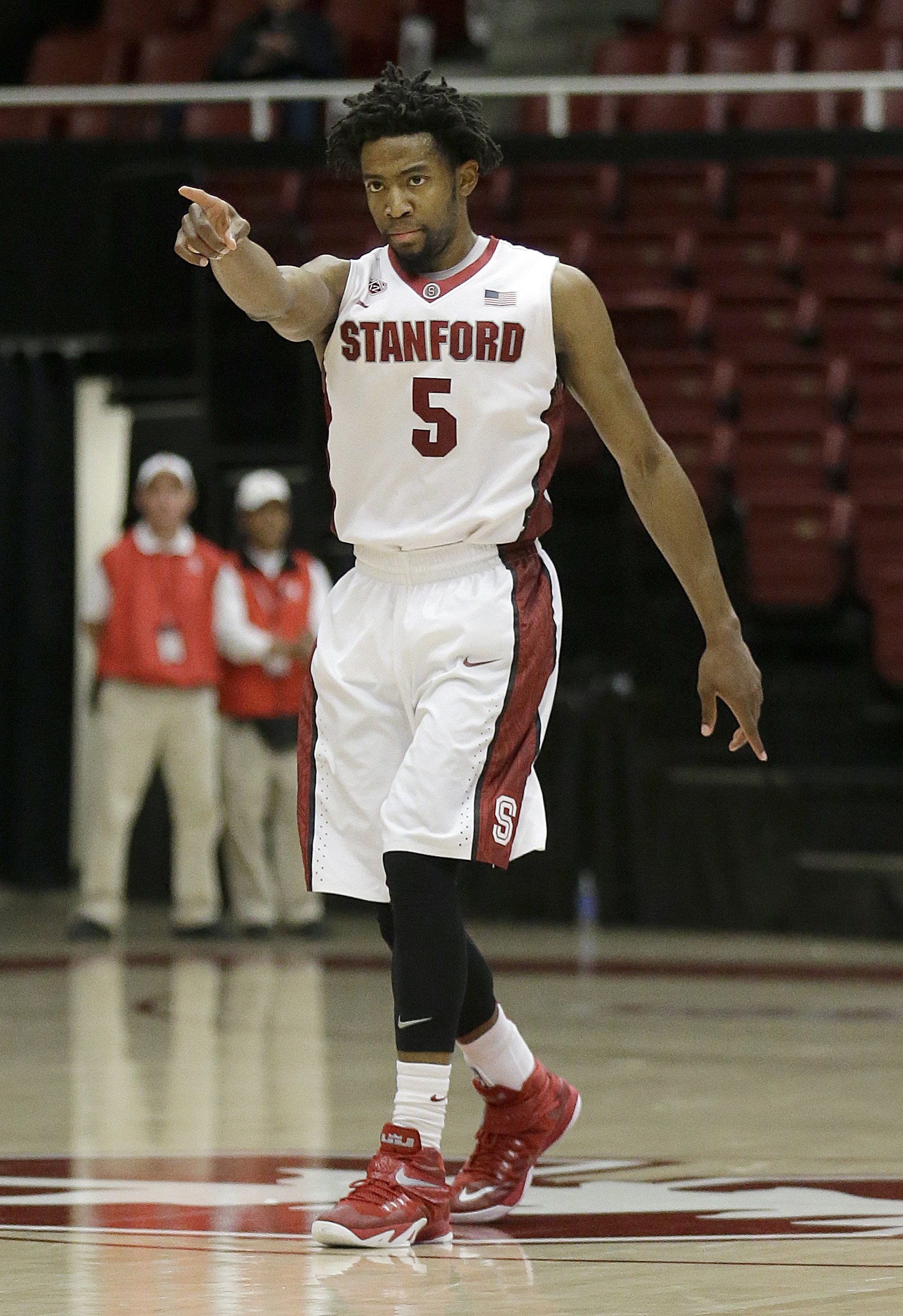 Snubbed by NCAA selection committee, Temple in NIT semis