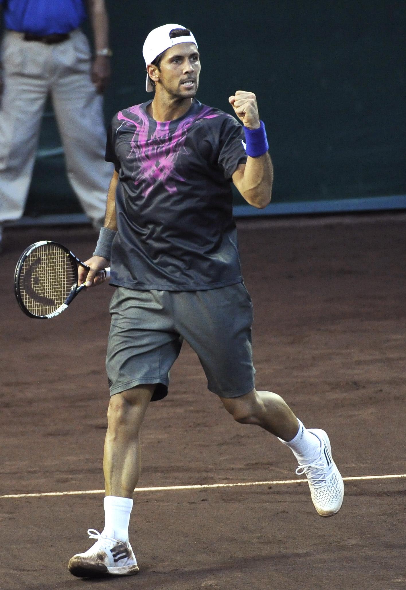 Defending champion Verdasco reaches semifinals