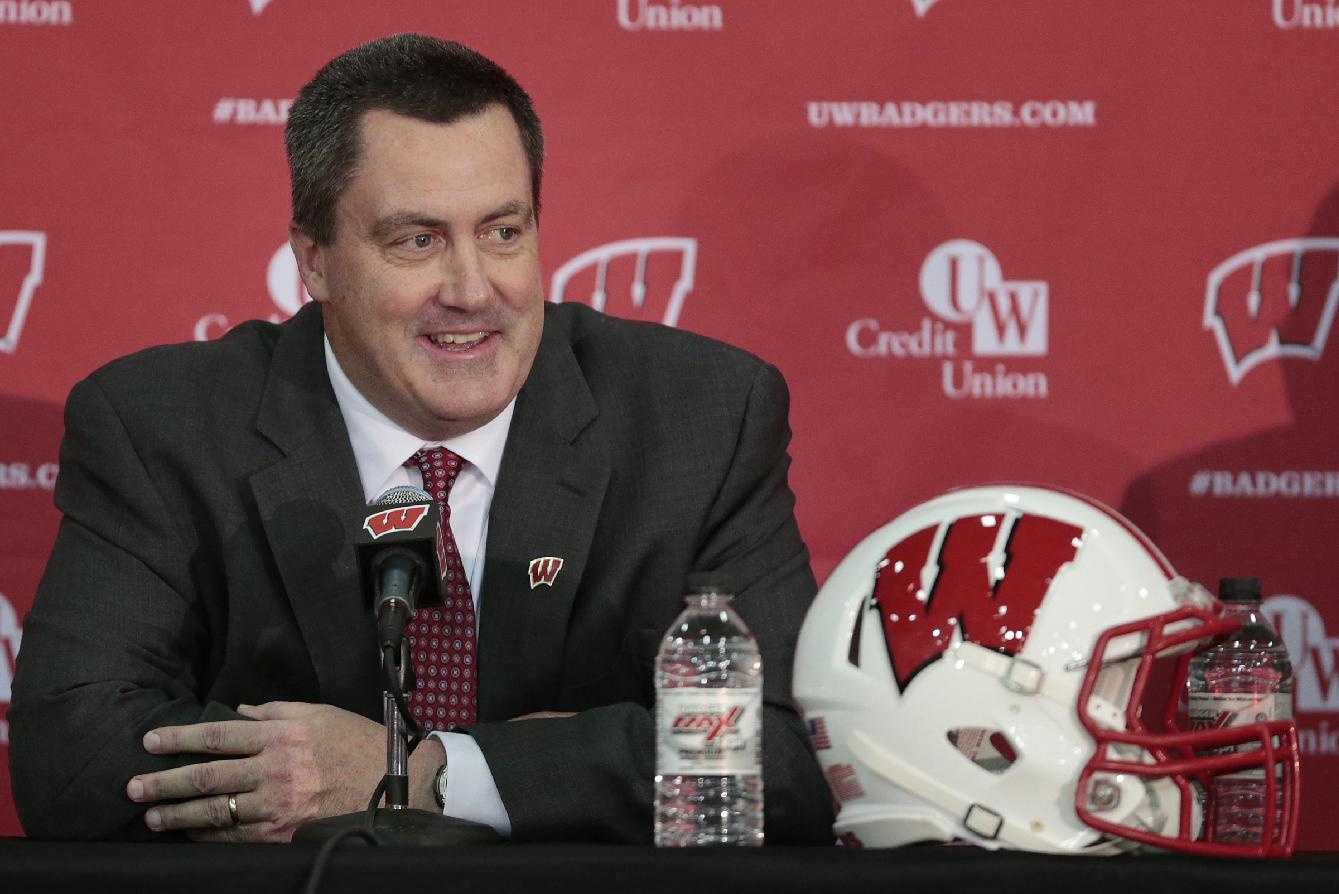 Paul Chryst returns to Wisconsin sideline at spring game