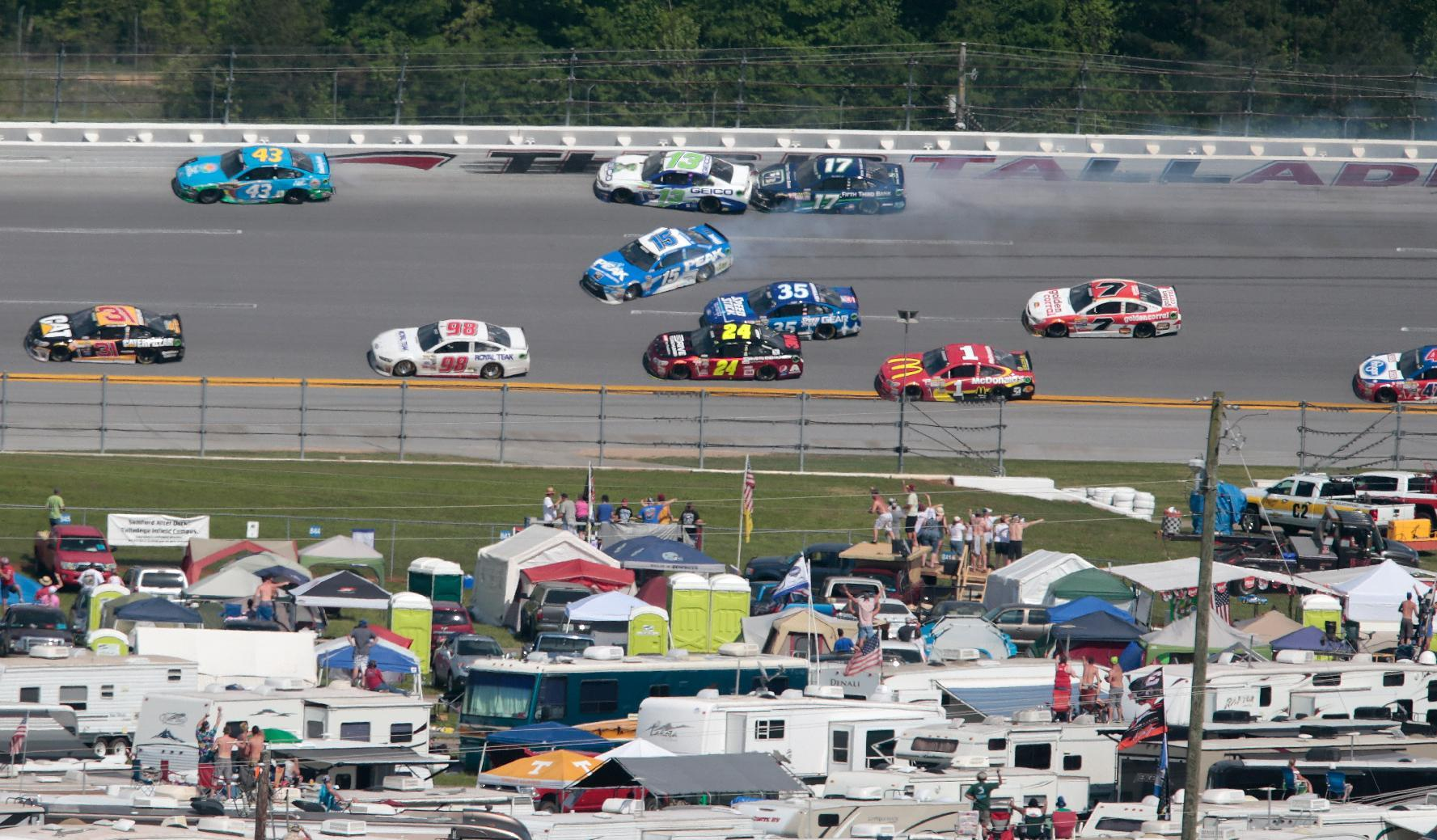 Edwards and Kenseth question lack of caution at end of race