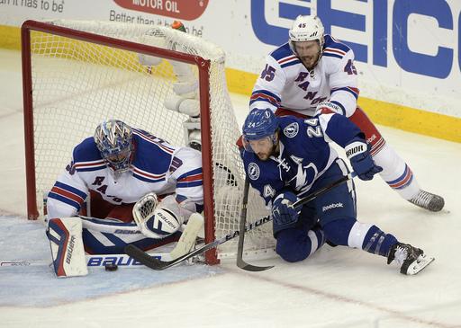Brassard, Lundqvist lead Rangers past Lightning 7-3