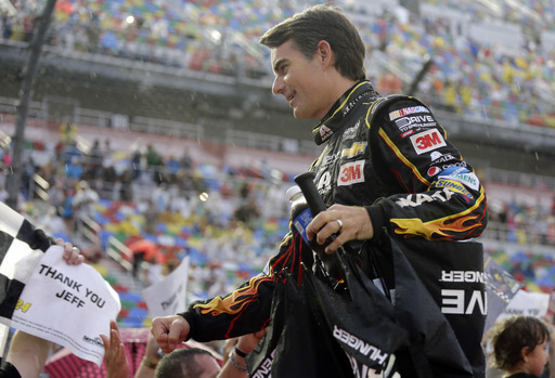 Fans shower Gordon with praise before final Daytona race