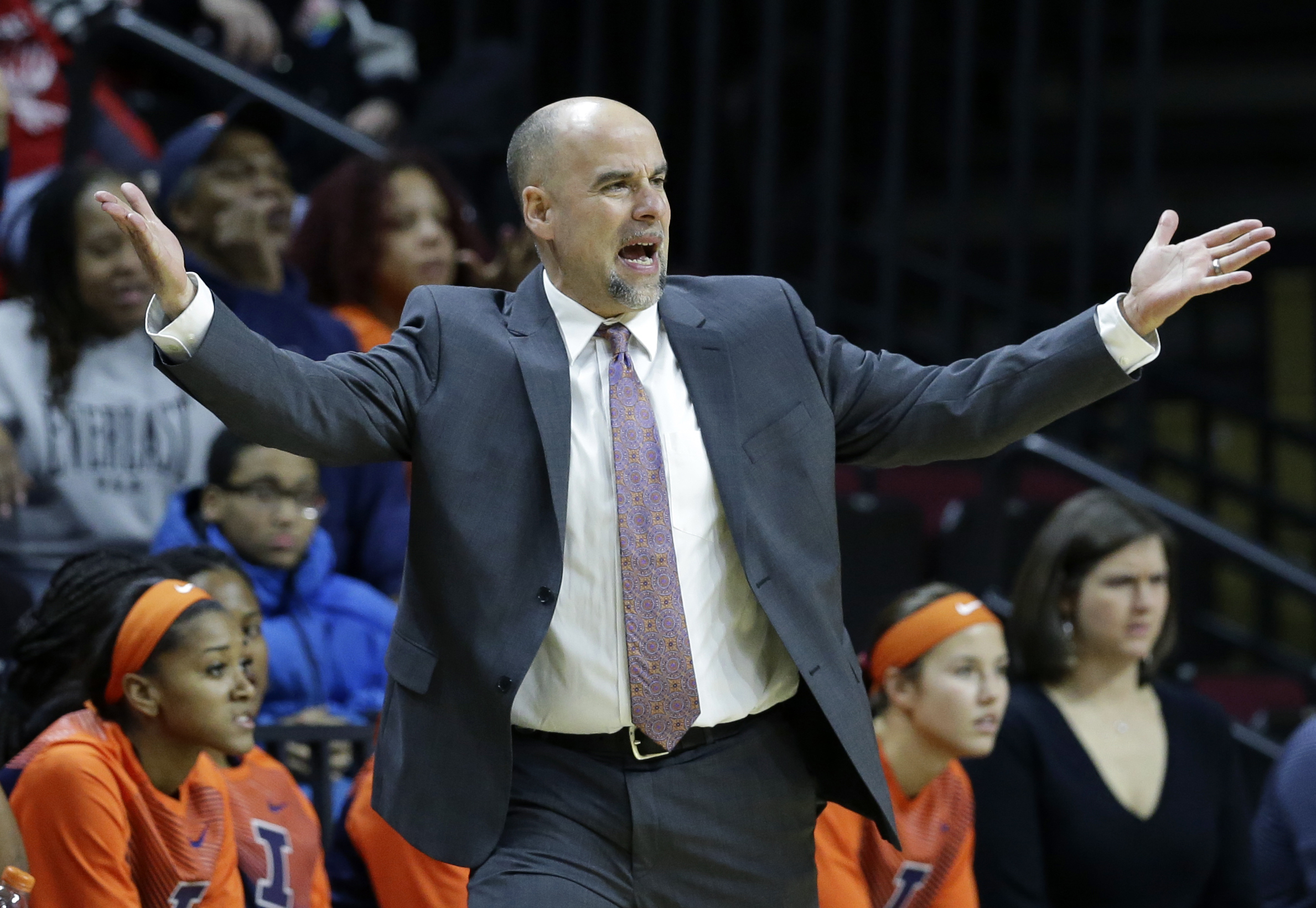 Illinois coach wants program to reflect him after troubles