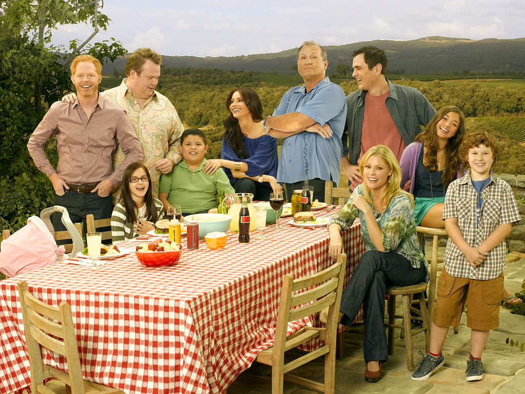 'Modern Family' Cast Still Without New Contracts as Tuesday Table Read Nears (Exclusive)