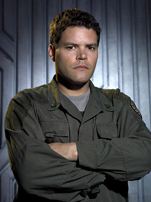 "Aaron Douglas as Chief Petty Officer Galen Tyrol Sci-Fi's ""Battlestar Galactica"""