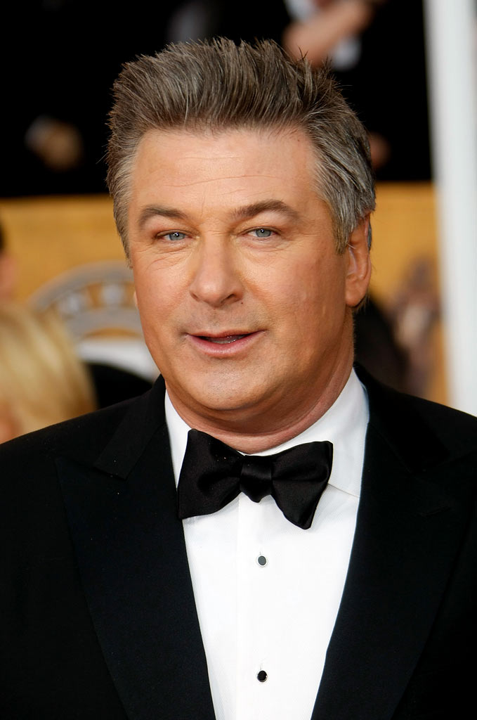 Alec Baldwin arrives at the 15th Annual Screen Actors Guild Awards held at the Shrine Auditorium on January 25, 2009 in Los Angeles, California.