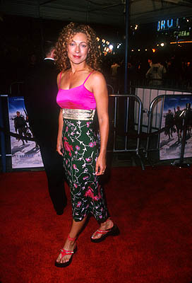 Premiere: Alex Kingston at the Mann Village Theater premiere of Warner Brothers' Three Kings - 9/27/1999