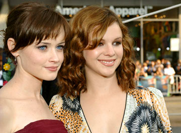 Premiere: Alexis Bledel and Amber Tamblyn at the Hollywood premiere of Warner Bros. Pictures' The Sisterhood of the Traveling Pants - 5/21/2005
