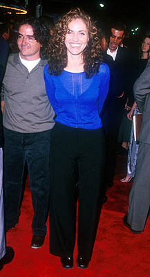 Premiere: Amy Brenneman at the Mann Village Theater premiere of Warner Brothers' Three Kings - 9/27/1999