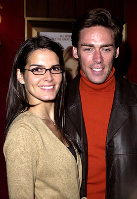 Premiere: Angie Harmon and Jason Sehorn at the New York premiere of Miramax's Bridget Jones's Diary - 4/2/2001