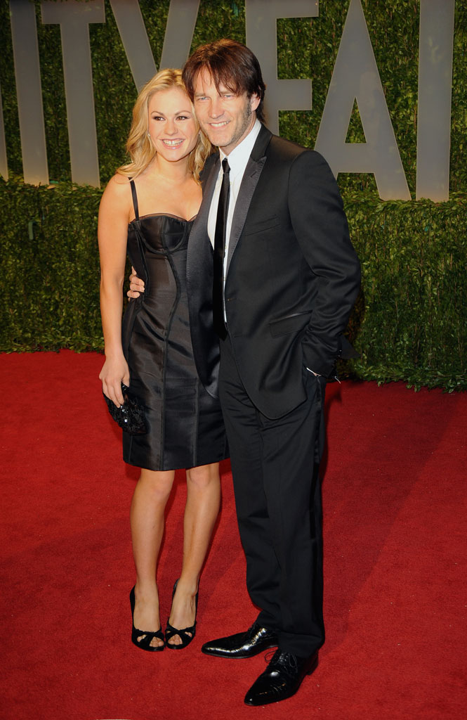 Anna Paquin and Stephen Moyer arrive at the 2009 Vanity Fair Oscar Party Hosted By Graydon Carter at the Sunset Tower on February 22, 2009 in West Hollywood, California.