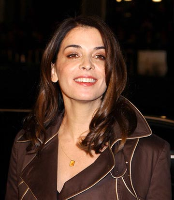 Premiere: Annabella Sciorra at the LA premiere of Chasing Liberty - 1/7/2004 Gregg DeGuire, Wireimage.com