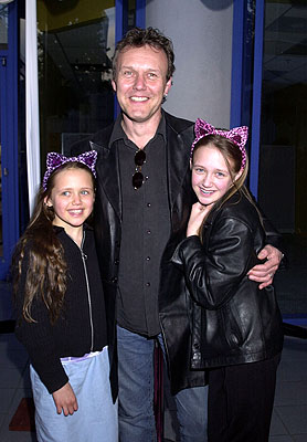 Premiere: Anthony Head and daughters Daisy and Emily at the Hollywood premiere of Josie and the Pussycats - 4/9/2001